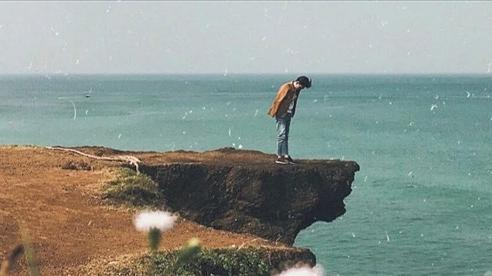 Mỏm đá sống ảo ở Quảng Trị bị gãy