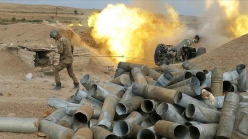 Xung đột Armenia-Azerbaijan: Nổ lớn bất chấp lệnh ngừng bắn, thêm Su-25 bị hạ, Baku sẵn sàng trao trả thi thể các binh sĩ cho Yerevan