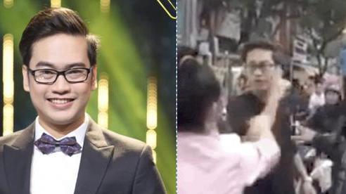 Lộ clip quản lý của Hoài Lâm bị vợ lao vào đánh ghen giữa quán ăn, liên tục mắng chửi và xảy ra xô xát