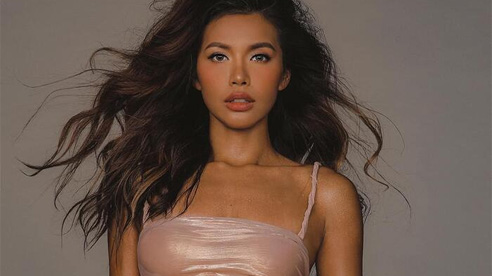 Hoa hậu - siêu mẫu Minh Tú xứng danh 'nữ hoàng lookbook' gợi cảm nhất dàn mỹ nhân Việt