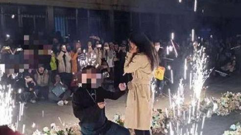 Thiếu gia lái 6 siêu xe đến cầu hôn thành công nữ sinh giữa sân trường và cái kết 'tất cả lên phường'