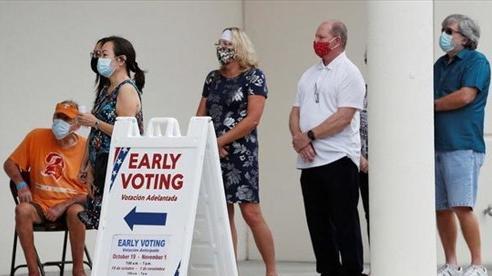 Số người Mỹ bỏ phiếu sớm bầu tổng thống cao kỷ lục