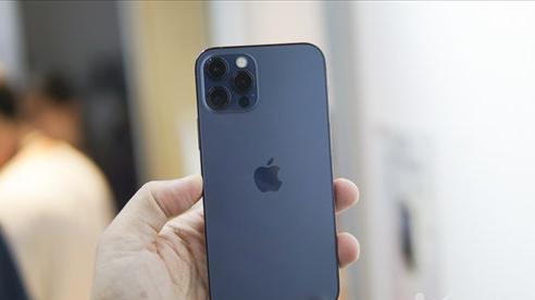 Trên tay iPhone 12 Pro tại Việt Nam: Bản màu xanh tuyệt đẹp