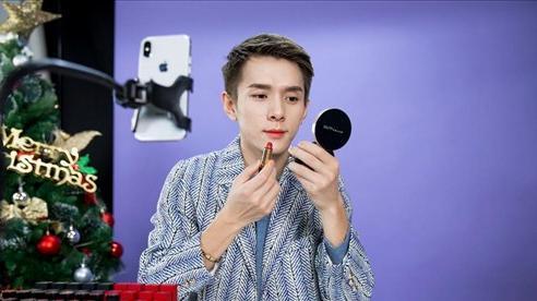 'Ông hoàng son môi' hút hơn 150 triệu người xem buổi livestream bán son tại Trung Quốc