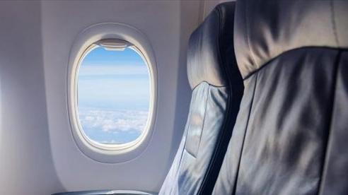 Đố bạn biết vì sao cửa sổ máy bay luôn có hình tròn?