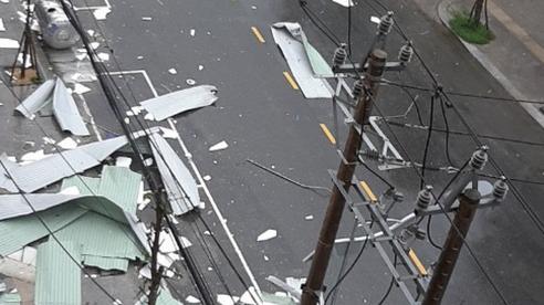 Quảng Ngãi bất ngờ lặng gió sau khi bão số 9 đổ bộ: Chuyên gia cảnh báo hiện tượng cực nguy hiểm, đề nghị người dân không rời nơi trú ẩn