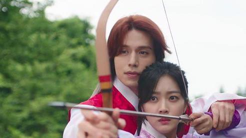 Những màn 'thả thính' đỉnh cao của chàng cáo Lee Dong Wook