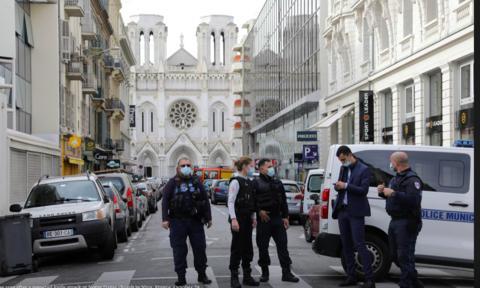 Tấn công ở Pháp: 3 người thiệt mạng trong đó có 1 bị chặt đầu