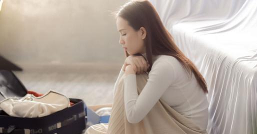 Đưa bàn tay sưng vù cho chồng xem, những tưởng anh sẽ thương xót an ủi, ngờ đâu anh bình thản thốt ra một câu đắng thắt lòng