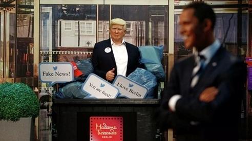 Đức: Tượng sáp của ông Trump bị 'vứt bỏ' trước cuộc bầu cử