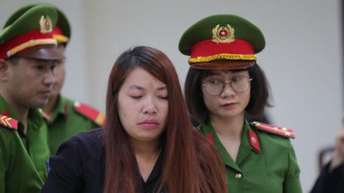 Chủ tọa vạch trần bộ mặt lừa tình của 'mẹ mìn' bắt cóc bé 2 tuổi, người bạn trai lặng người