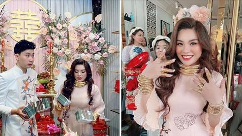 Dân mạng lại 'chết ngất' với cô dâu 'số hưởng': Vàng đeo trĩu cổ, tiền mừng cưới tính bằng 'quyển'