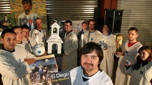'Tôn giáo Maradona' và hàng loạt câu chuyện lạ lùng khó tin về 'Cậu bé vàng' của Argentina