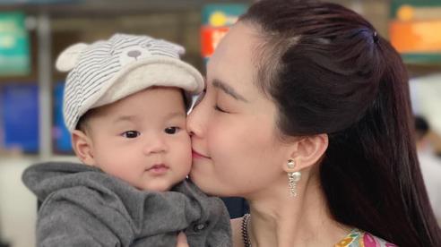 Khoe ảnh cưng xỉu của Đặng Thu Thảo và con trai, doanh nhân Trung Tín ghen tị ra mặt vì bị tụt hạng trong gia đình?