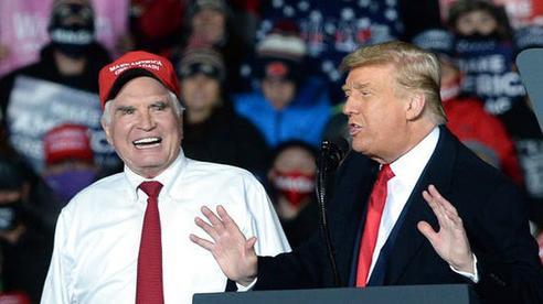 Đồng minh Tổng thống Trump kiện lên Tòa án Tối cao Mỹ