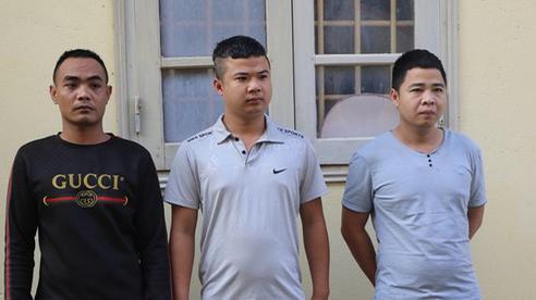Chồng cùng 2 người bạn bắt cóc, tra tấn tài xế taxi vì nghi ngoại tình với vợ