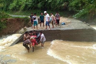 Giao thông khó khăn qua xã Quảng Ngần đi Thượng Sơn (huyện Vị Xuyên)