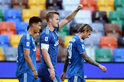 Mathijs de Ligt mở tỉ số cho đội khách Juventus