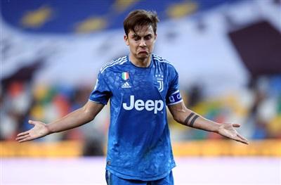 Paulo Dybala thất vọng với màn trình diễn của Juventus