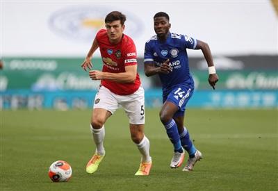 Kelechi Iheanacho gây nhiều khó khăn cho hàng thủ Man United