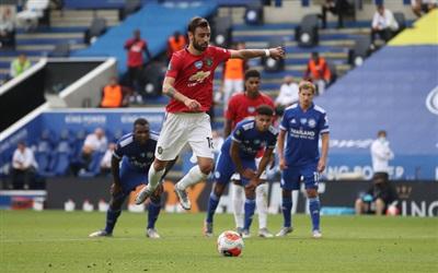 Bruno Fernandes sút thắng phạt đền, mở tỉ số cho Man United