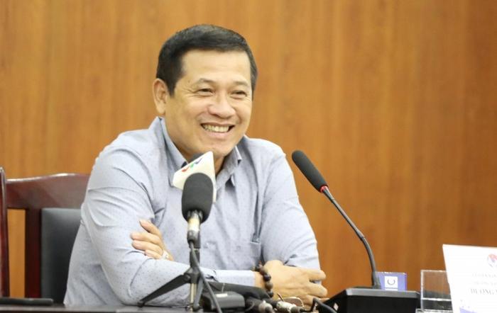 Trưởng ban trọng tài Dương Văn Hiền.