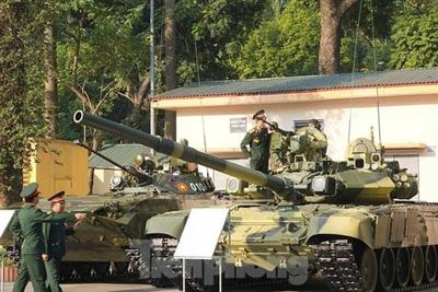Xe tăng T-90S của Lục quân Việt Nam vừa được trang bị. Ảnh: Tiền Phong.