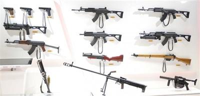 Một số mẫu súng bộ binh do công nghiệp quốc phòng Việt Nam sản xuất, có thể thấy chúng ta đã làm chủ công nghệ chế tạo từ súng ngắn, súng tiểu liên cho đến súng trường bắn tỉa.