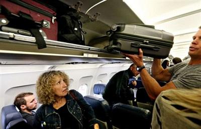 Việc mang đúng số cân hành lý xách tay giúp đảm bảo an toàn cho chính hành khách và những người xung quanh.