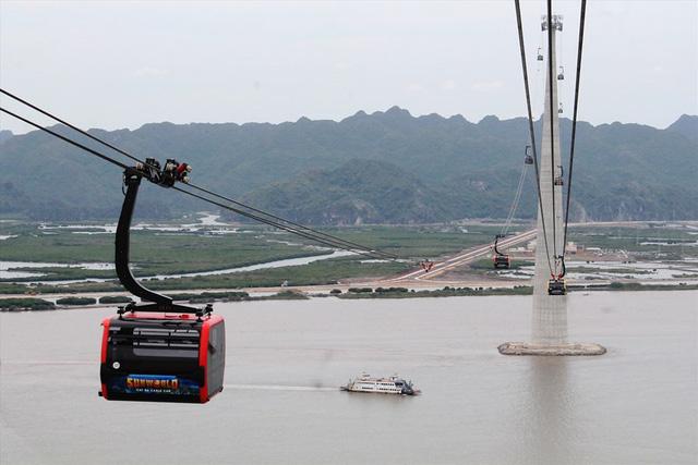 Hải Phòng tạm ngừng hoạt động tuyến cáp treo vượt biển phòng tránh bão số 2
