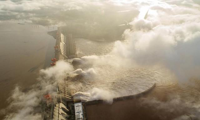 Lượng nước đổ về đập Tam Hiệp trong đợt lũ thứ 3 đạt mức kỷ lục.