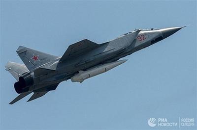 Tên lửa Kinzhal được mang bởi tiêm kích MiG-31