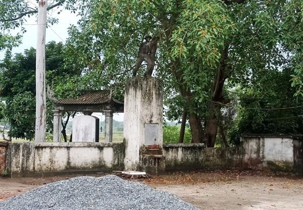Tượng đài Chiến thắng Thông Đạt (xã Liệp Tuyết, huyện Quốc Oai) đã có nhiều dấu hiệu xuống cấp.