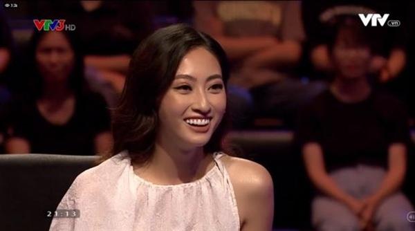 Trò chuyện cùng MC, cô cho biết mình là fan của 'Ai là triệu phú' ngay từ nhỏ.
