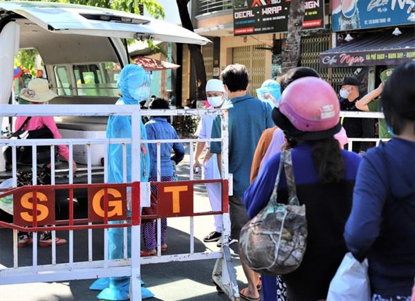 Trong số 8 ca Covid-19 vừa được công bố tại Quảng Nam, có nhiều bệnh nhân đã lui tới nhiều nơi đông người.