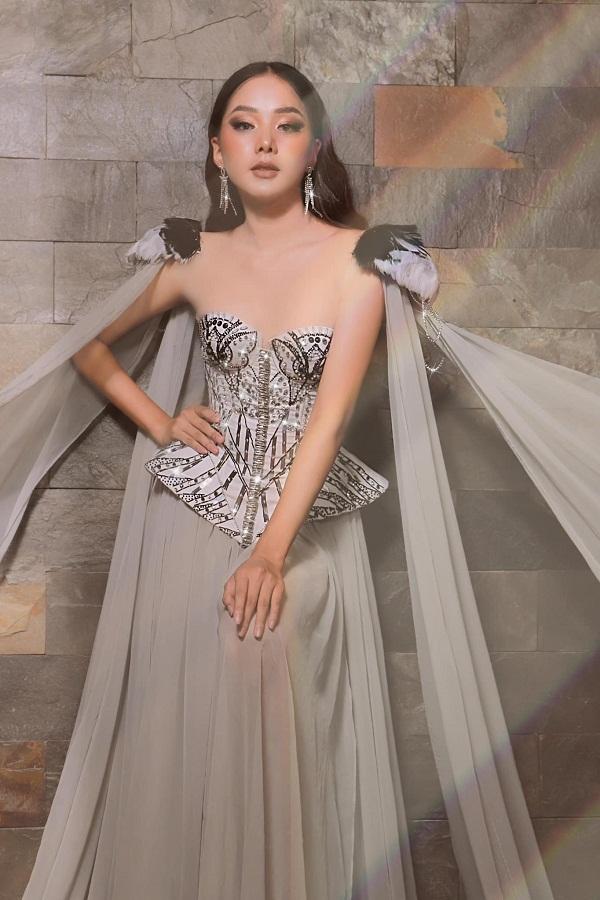 Sau Miss World Vietnam 2019, bên cạnh việc học, người đẹp cho biết cô thường xuyên tham gia các show diễn thời trang với vai trò người mẫu để tăng thêm thu cũng như kinh nghiệm cho bản thân.