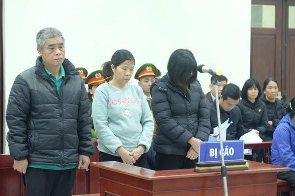 Các bị cáo tại phiên tòa sơ thẩm (ảnh TL)