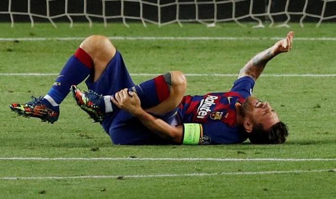 Messi dính chấn thương mắt cá có thể bỏ lỡ trận đối đầu với Bayern Munich