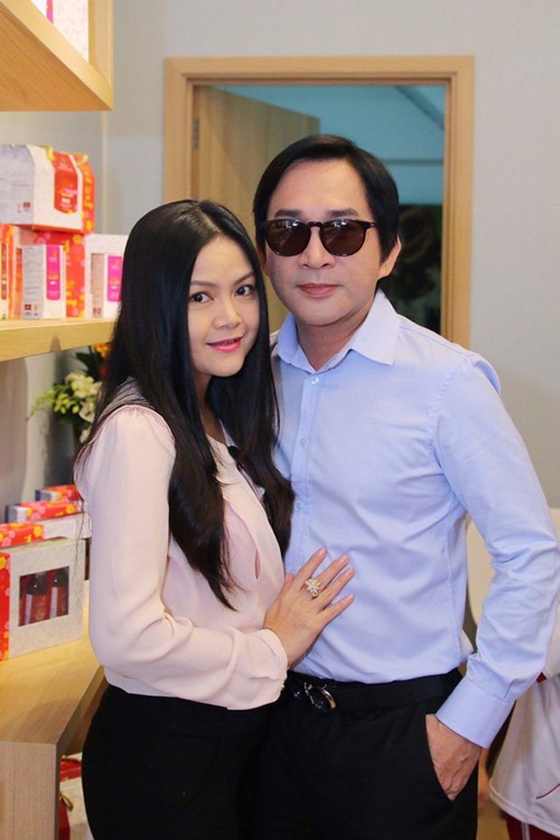 Nghệ sĩ Kim Tử Long thừa nhận từng ngoại tình với 1 người phụ nữ trong 3 tháng.
