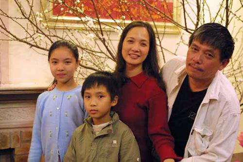 Gia đình hạnh phúc hiện tại của nữ diễn viên đình đám.