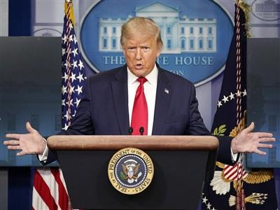 Tổng thống Mỹ Donald Trump trong buổi họp báo ngày 14-8 tại Nhà Trắng. Ảnh: Getty