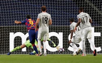 Luis Suarez gieo hy vọng cho Barca