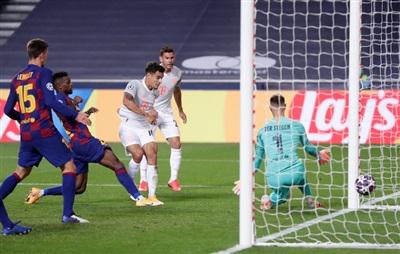 ... rồi 'người cũ' Philippe Coutinho góp sức nhấn chìm Barca