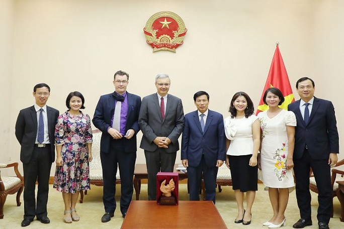 Buổi làm việc giữa Bộ trưởng Nguyễn Ngọc Thiện và Đại sứ Pháp Nicolas Warnery