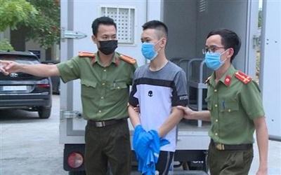Công an di lý Trịnh Việt Hoàng từ Long An về địa phương để xử lý