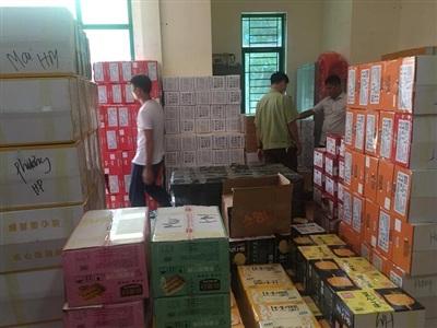 Cơ quan chức năng liên tục bắt giữ các vụ nhập lậu bánh trung thu Trung Quốc