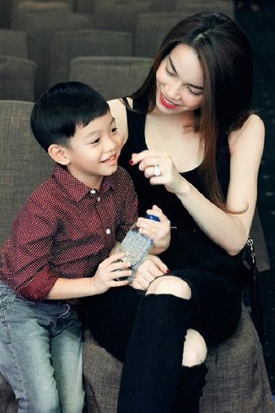 Mức học phí Hồ Ngọc Hà chi cho Su Beo mỗi năm lên đến khoảng 300 triệu đồng.