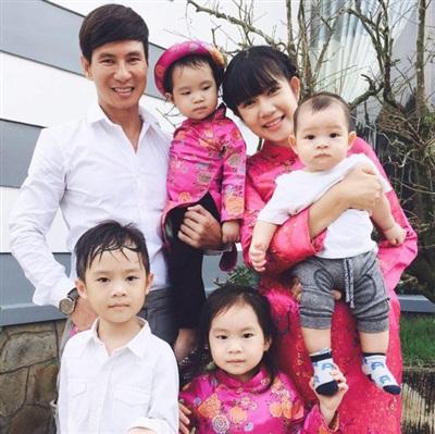 Sở hữu khối tài sản lên đến hàng chục tỷ đồng nhưng ca sĩ Lý Hải vẫn cho con theo học trường công với mức giá cực rẻ.