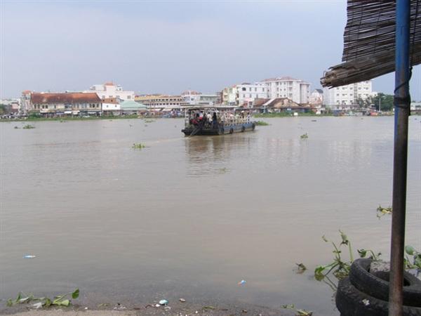Bến phà Phú Cường nơi được chính quyền cảnh báo có cá sấu xuất hiện. (Ảnh Internet)