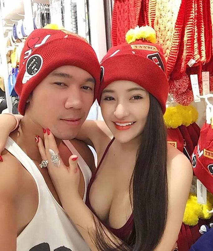 Nếu Ngân 98 - Lương Bằng Quang thuộc dạng 'không còn gì để nói' thì thực tế nhiều sao Việt khác cũng khá táo bạo khi chia sẻ chuyện thầm kín